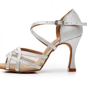 tanečné topánky k bielym svadobným šatám