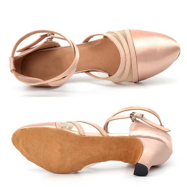 tanečné topánky s uzavretou špičkou
